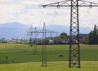 Precio de la luz en España puede bajar un 40%