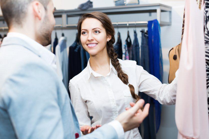 El buen humor se transmite a los clientes en las empresas