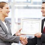 Recompensa el merito de tus empleados