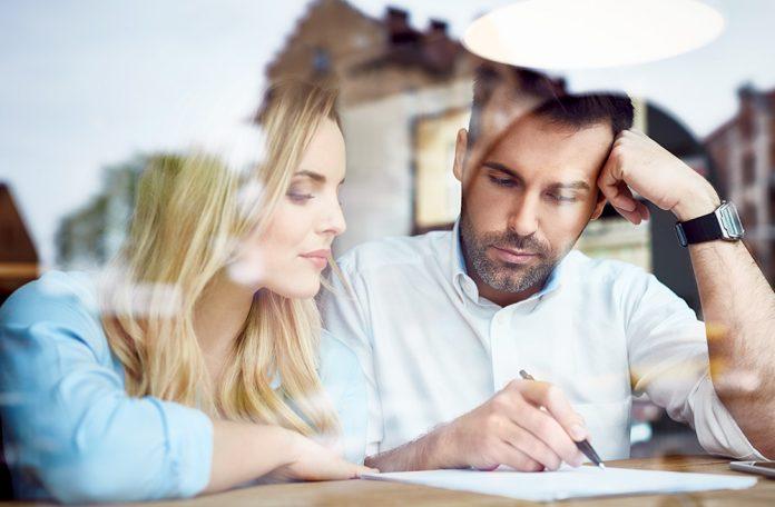 Pasos para evitar problemas con tu pareja por dinero